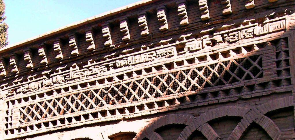 La Mezquita del Cristo de la Luz de Toledo: portada.